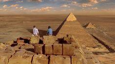 Carter e Edward descobrem que têm poucos meses de vida e resolvem aproveitar suas últimas chances para conhecer o mundo inteiro. Eles fazem um belo passeio pela Muralha da China, o Taj Mahal e até as Pirâmides do Egito. Você vai assistir e querer fazer o mesmo antes de saber que vai morrer.