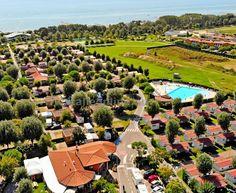 Camping Marelago - kemp v Caorle Altanea, mobilhomy s vlastní koupelnou a klimatizací. Blízko pláže, bazén, parkoviště, vhodné pro rodiny s dětmi. Greenfinch, 400 M, Hotels, Strand, Dolores Park, Travel, Mango, Italia, Italy Sea