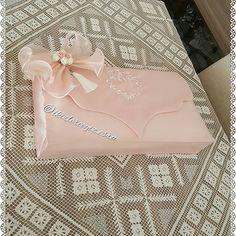 Nişan & Düğün hazirliklarınınız'ın hediyelik güzel sunumları için hazırlanmış mini havluluk, tülbentlik,yazmalık kutu bohçamız  @b.duygus Bilge hnm 'ın kızı için hazırlandı sevgiler #ankaram