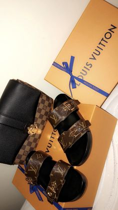 My New LV Collection for Louis Vuitton. My New LV Collection for Louis Vuitton. Zapatillas Louis Vuitton, Zapatos Louis Vuitton, Cute Sandals, Cute Shoes, Me Too Shoes, Vuitton Bag, Louis Vuitton Handbags, Lv Handbags, Fashion Handbags