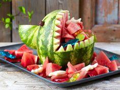 Melonen-Hai – der Hingucker auf jedem Buffet mit einfacher Schritt-für-Schritt-Anleitung zum selber Schnitzen   gefunden auf www.lecker.de