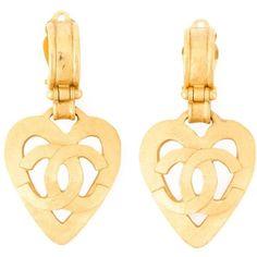 Chanel Vintage Heart Logo Pendant Earrings ($646) ❤ liked on Polyvore featuring jewelry, earrings, metallic, gold tone earrings, vintage pendant, heart pendant, heart shaped earrings and vintage earrings