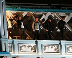 One Direction filming the MV for Midnight Memories On top of Tower Bridge in London