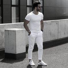 Menstylica fashion network : photo all white moda y moda męs Preppy Mens Fashion, Mens Fashion Suits, Women's Fashion, Fashion Guide, Latex Fashion, Gothic Fashion, Stylish Men, Men Casual, White Casual