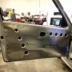 Custom cars interior sheet metal new ideas Custom Car Interior, Truck Interior, Truck Mods, Car Mods, Bmw E36, Diy Seat Covers, E36 Coupe, Sheet Metal Work, Metal Shaping