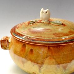 What an adorable casserole dish!!! <3
