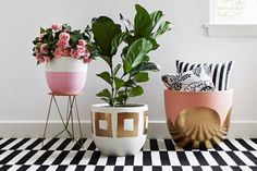 Everything is better with gold. pink, white, gold. and stripes. DIY plant pots, planting inspiration, gold paint