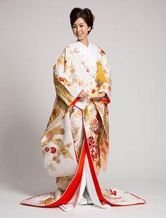 ウエディングドレス、高品質な結婚式ドレスならW by Watabe Wedding / 色打掛【熨斗満豊花車文】