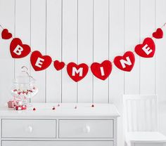 Be Mine Heart Garland, Red