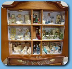 CDHM Artisans Valbuena Miniaturas creates 1/12 and 144 scale dollhouses miniature furniture and roomboxes