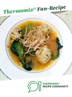 Recipe Vietnamese Chicken Meatball & Noodle Soup by thermofiles, learn to make this recipe easily in your kitchen machine and discover other Thermomix recipes in Main dishes - meat. Meat Recipes, Asian Recipes, Food Processor Recipes, Cooking Recipes, Ethnic Recipes, Radish Recipes, Savoury Recipes, Vietnamese Recipes, Vietnamese Chicken Soup