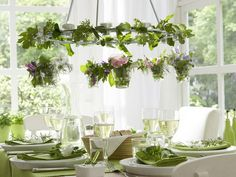 décoration printemps avec un lustre fleuri