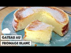 La recette du Fameux Gâteau au fromage blanc pas à pas - épais, moelleux et léger. Pear Cake, Easy Cake Recipes, Sin Gluten, Caramel Apples, Cheesecakes, Coco, Sweet Tooth, Food And Drink, Yummy Food