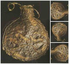 Пазырыкская культура. Фляжка, сшитая из двух лоскутов кожи. Второй Пазырыкский курган.