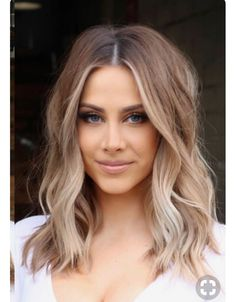 Haare lange Bob Lob Frisuren schulterlanges Haar balayage hellbraun blond Beauty Benefits of Hair St Shoulder Length Hair Balayage, Shoulder Hair, Styling Shoulder Length Hair, Shoulder Length Bobs, Lob Hairstyle, Pretty Hairstyles, Blonde Long Bob Hairstyles, Long Lob Haircut, Long Bon Hairstyles