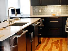 Hardwood floors are a hot trend in 2015 for kitchen remodels. This contemporary remodel went with a gorgeous and distinctive look for their hardwood floor. Kitchen Design Trends, Contemporary, Kitchen Remodel, Contemporary Kitchen, Hardwood Floors, Home Decor, Kitchen, Flooring, Contemporary Remodel