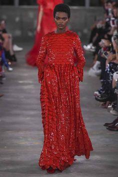 24 Trendy Fashion Show Catwalk Runway Trends Fashion Over 50, Red Fashion, Colorful Fashion, African Fashion, Fashion Show, Autumn Fashion, Fashion Outfits, Womens Fashion, Fashion Design