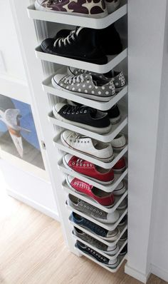 27 Cool & Clever Shoe Storage Ideas for Small Spaces is part of Closet organization designs - Do you have lots of shoes but very little space to store them You've come to the right place! Here are shoe storage solutions perfect for your tiny home! Best Shoe Rack, Diy Shoe Rack, Diy Casa, How To Store Shoes, Rack Design, Small Storage, Shoe Storage Ideas For Small Spaces, Hidden Storage, Clever Storage Ideas