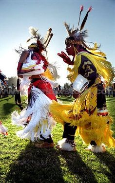 I love watching the Fancy Dancers, all their spins and energy is nothing short of amazing~