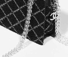 Petit sac shopping zippé, tweed & résine-noir & blanc - CHANEL