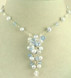 Blue crystal cluster necklace « Inspired And Pretty