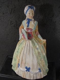 Royal Doulton HN2007 MRS FITZHERBERT  9 3/4""