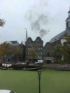 Jenevermuseum, de kethel is opgestookt, maar de soep ligt nog in de haven