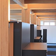 Bürogebäude in BauBuche Skelettbauweise // Office building in post and beam // credits: Carsten Janssen Innovative Architecture, Wooden Architecture, Walter Gropius, Post And Beam, Innovation, Construction, Storage, Building, Furniture