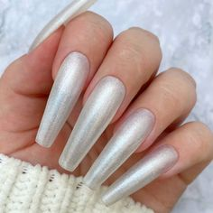 A pearly white glitter gel polish with silver undertones. 2 Coat Application. Nails by Fie Pedersen. #whitenails #whiteglitternails Glitter Gel Polish, White Glitter Nails, Gel Nail Polish, Nail Art, Create, Silver, White Nail, Nail Arts, Nail Art Designs