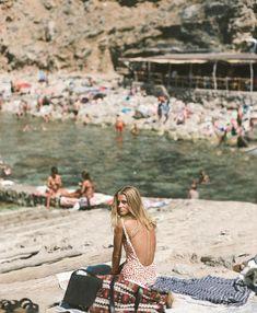 10 European Summer Is Calling Pair Ideas European Summer, Italian Summer, Photography Beach, Film Photography, Summer Dream, Summer Of Love, Summer Beach, Summer Bikinis, Summer Feeling