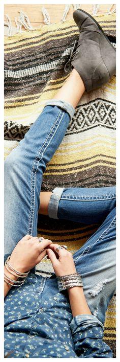 Cuffed jeans, blanke