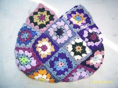 granny square bag by fikidoll, via Flickr