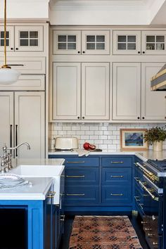 Why Should You Choose Paint-Grade Cabinet Doors for your Kitchen? - Decorology