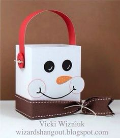 Have to make these for the kiddos in my class this year. Treat bag ideas for this years Christmas party Have to make these for the kiddos in my class this year. Treat bag ideas for this years Christmas party Christmas Gift Bags, Christmas Gift Wrapping, Christmas Projects, Winter Christmas, Xmas Crafts, Handmade Christmas, Frosty The Snowmen, Craft Box, Treat Bags