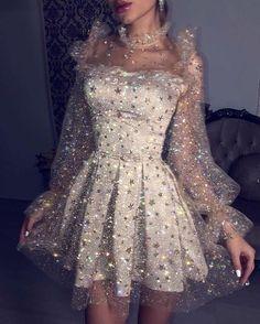 Fashion Tips Moda .Fashion Tips Moda Pretty Dresses, Beautiful Dresses, Elegant Dresses, Formal Dresses, Wedding Dresses, Glamouröse Outfits, Vegas Outfits, Woman Outfits, Club Outfits