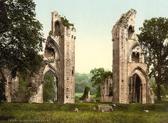 Frederick Bligh Bond resorted to psychic archeology because he didn't have permission to dig up the ruins of England's legendary Glastonbury Abbey. At least...