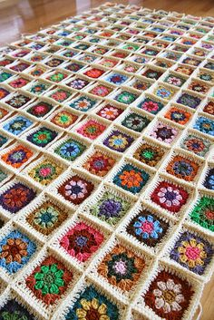 great granny square blanket! #crochet