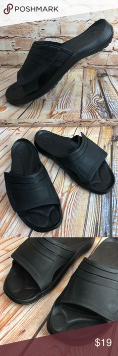 9d28d157253c5e CROCS Slides Rubber Sandals Slip On Beach Shoes CROCS Slides Mens Size 8  Black Rubber Sandals