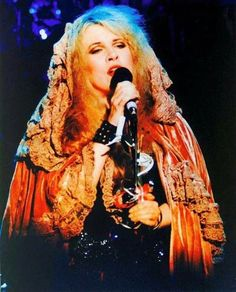 Stevie Nicks Photo Fleetwood Mac or inch Live Concert Print 136 Stevie Nicks Lindsey Buckingham, Buckingham Nicks, Members Of Fleetwood Mac, Stephanie Lynn, Rock Queen, Stevie Nicks Fleetwood Mac, Look Vintage, Beautiful Voice, Love Her Style