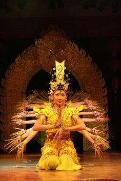 1000 Hands - Jakarta, Jakarta Raya, Indonesia Bali Floating Leaf Eco-Retreat. http://balifloatingleaf.com/