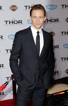 It has just dawned on me, Tom wears suits. Lots of them. Black, blues, grays, even a dark plum once. Yet, never brown. I get that the other colors compliment his eyes but I bet he could rock a brown suit just as well!!! Branch out Tom!! Expand your horizons!!!