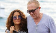 Mark us down as jealous. Salma Hayek & Francois Henri Pinault spent the holidays in St. Barts: http://jus.tj/aw2