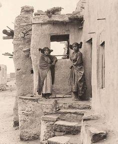 Amérindiennes : Tous ces portraits amérindiens incroyablement rares et magnifiques sont des femmes et des filles de la fin des années 1800 au début des