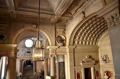 Château de Chantilly - Musée Condé - Hall d'entrée, via Flickr.