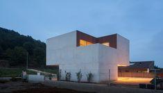 untitled 20120917 177 La Casa Mordida de Arnau Vergés, una singular conexión interior exterior con cerramientos Technal