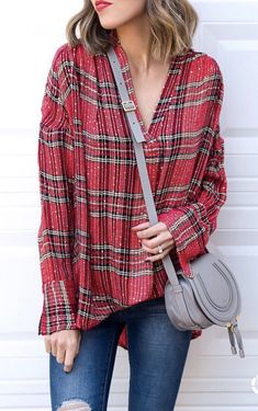 red, gray, and black plaid v-neck longs-sleeved shirt, blue jeans, and gray leather saddle bag Red Fashion, Colorful Fashion, Style Fashion, Fashion Outfits, Classy Winter Outfits, Casual Outfits, Plaid Shirt Outfits, Autumn Winter Fashion, Winter Wear