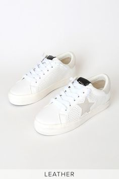 Kick your street style up a notch with the Steve Madden Starling White Multi Suede Leather Sneakers! Platform sneakers with a perforated vamp and star design. Platform Sneakers, Leather Sneakers, Suede Leather, Black Leather, Latest Sneakers, Latest Shoes, Sneakers Fashion, Winter Outfits For School, School Outfits