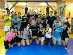 Regreso de nuestra compañera Alba a las clases de kick-boxing K1, tras un año en el extranjero. Bienvenida y a entrenar!! www.budokansevilla.com