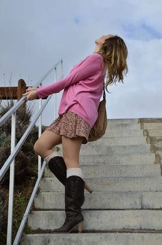 http://oneusefashion.wordpress.com/2014/11/28/sweater-and-dress-2/