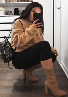 Plunder, new age styles in vogue visual appeal or manner. Need to outfit like a swaggy? Boujee Outfits, Casual Outfits, Fashion Outfits, Womens Fashion, Ladies Fashion, Fashion Fashion, Fashion Ideas, Fall Winter Outfits, Autumn Winter Fashion